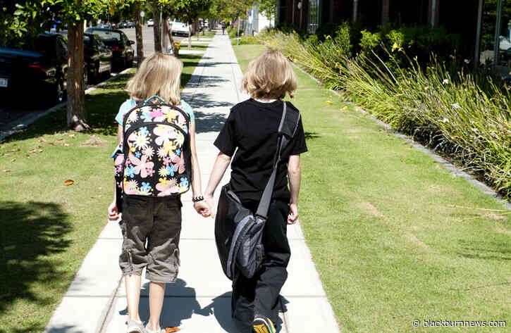 New pilot project encourages kids to walk, don't ride to school