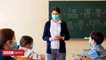 Schoolgirl sues Sheffield school trust over mask-wearing