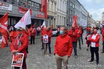 """PVDA en socialistische vakbonden voeren actie op Dag van de Arbeid in Gent: """"Loonwet moet op de schop"""""""