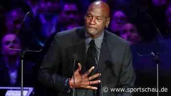 Jordan präsentiert Hall-of-Fame-Aufnahme von Kobe Bryant - sportschau.de
