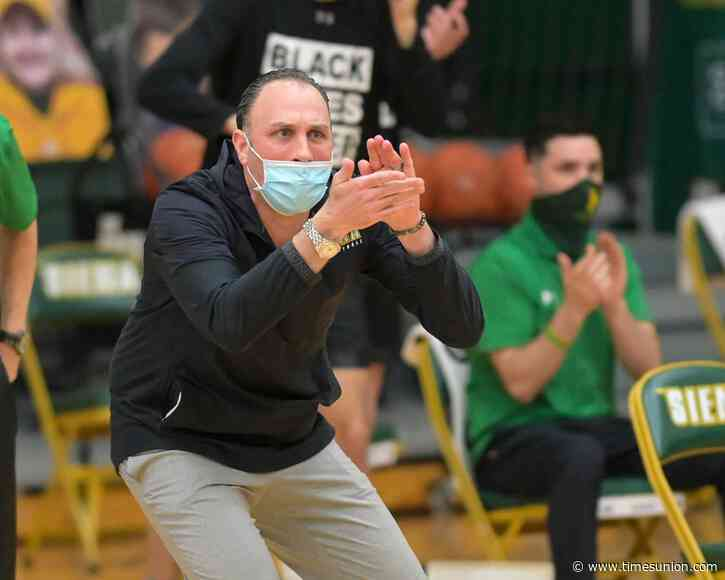 Siena basketball coach: Pandemic helped cause NCAA transfer explosion