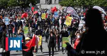 Milhares de pessoas na baixa do Porto expuseram queixas no Dia do Trabalhador - Jornal de Notícias