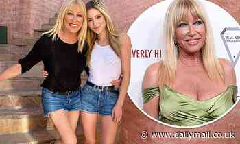 Suzanne Somers, 74, twins with her granddaughter Camelia, 25, in denim short shorts