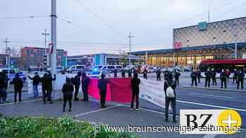 Gewaltbereite Rechte demonstrieren an Braunschweigs Bahnhof