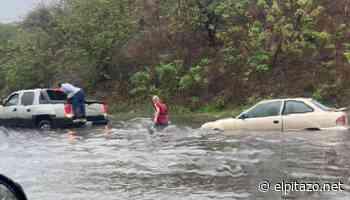 Lluvias causan inundaciones en varios tramos de la Avenida Intercomunal de Guarenas - El Pitazo