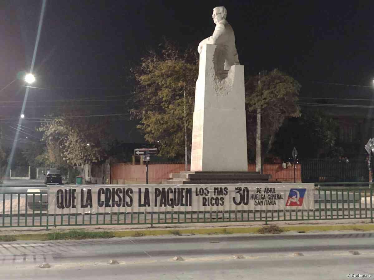 Chile : Banderas negras en San Joaquín marcan el comienzo de la Huelga General Sanitaria - The Times en Español