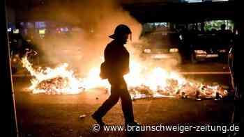Tag der Arbeit: Demonstration in Berlin abgebrochen - Angriffe gegen Polizei