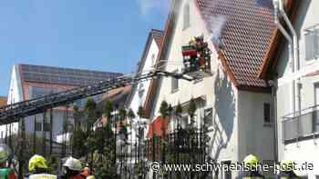 Heckenbrand greift auf Gebäude über | Lauchheim - Schwäbische Post