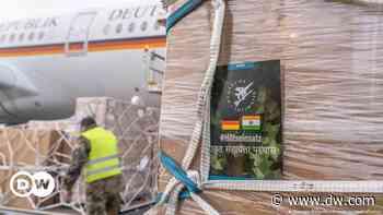Coronavirus: German military plane reaches India with medical aid   DW   01.05.2021 - Deutsche Welle