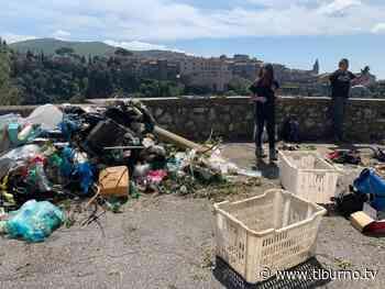 TIVOLI – Rovi e rifiuti sulle cascate, il gruppo speleologico le riqualifica - Tiburno.tv Tiburno.tv - Tiburno.tv