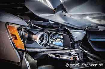 Kreis Forchheim: Auto prallt gegen Brückenpfeiler und brennt aus