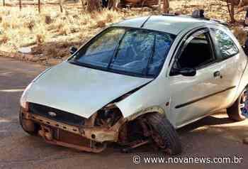 Carro bate em árvore e duas pessoas ficam feridas em Ivinhema - Nova - Nova News