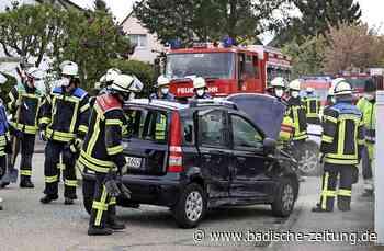 Fiat kippt durch Zusammenstoß um - Schutterwald - Badische Zeitung - Badische Zeitung