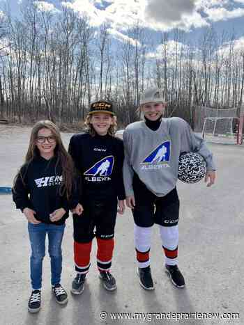 Sexsmith family raising money to support girls in hockey - My Grande Prairie Now