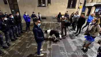 Protesta contro il coprifuoco: tensione in centro a Parma - La Repubblica