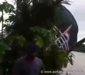 Fake news! vídeo que aparece barco tombado em Coari é antigo - Portal Tucumã