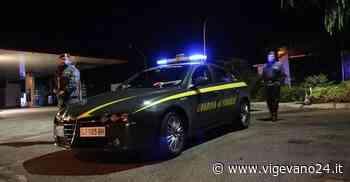 Inveruno: inseguimento nella notte, Porsche si ribalta. Dentro c'erano 22mila euro, occupanti in fuga - Vigevano24.it