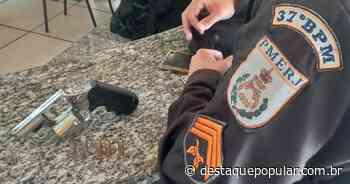 Motorista é preso por porte ilegal de arma de fogo, em Quatis - Destaque Popular