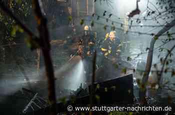 Vaihingen an der Enz - Scheune brennt komplett nieder – Polizei ermittelt - Stuttgarter Nachrichten