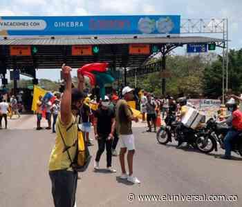 """""""Ni reforma tributaria ni peaje"""": bloqueo vial en Turbaco - El Universal - Colombia"""