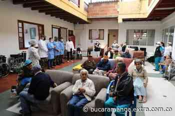 Ejército entregó bienestar a los abuelitos de Anolaima, Cundinamarca - Extra Bucaramanga