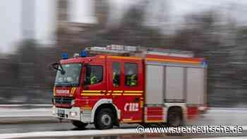 Brand in Autowerkstatt: Großeinsatz der Feuerwehr - Süddeutsche Zeitung