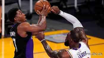 Lowry, Siakam lead Raptors past Lakers
