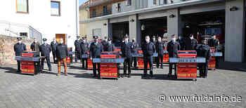 Grill's an Ortsverbände der Freiwilligen Feuerwehr Eichenzell übergeben - Fuldainfo