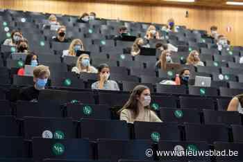 Uitwisselen van bepaald lesmateriaal wordt misschien strafba... (Gent) - Het Nieuwsblad