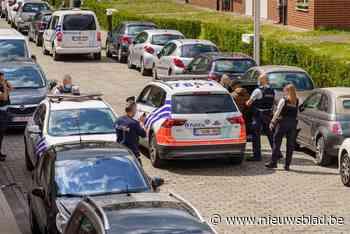 Politie arresteert verdachte met getrokken wapens na oproep voor inbraak - Het Nieuwsblad