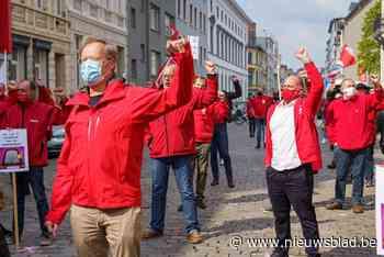 """PVDA en socialistische vakbonden voeren actie op Dag van de Arbeid in Gent: """"Loonwet moet op de schop"""" - Het Nieuwsblad"""