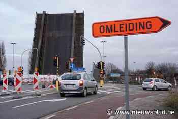 """""""De laatste rechte lijn is ingezet"""": laatste herstelfase van Meulestedebrug start deze week - Het Nieuwsblad"""
