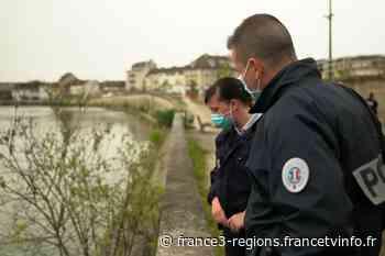 """À Creil dans l'Oise, des policiers sauvent un homme de la noyade : """"j'ai sauté tout de suite, j'ai pas réfléch - France 3 Régions"""