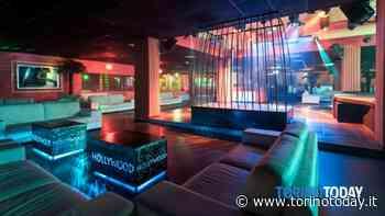 Clienti in accappatoio e bicchieri sui tavolini: altro club privé di Torino chiuso 5 giorni dalla polizia - TorinoToday