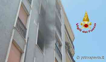 Le foto del principio di incendio in un appartamento di Vigevano - Prima Pavia