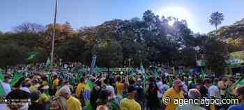 Moradores de Canoas e Sapucaia do Sul participam de manifestação a favor de Bolsonaro - Agência GBC