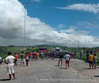 Protesto fecha trecho da BR-232 em Bezerros, no Agreste - Diário de Pernambuco