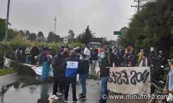 Fotos: Luego de varias horas de cierre por manifestación, habilitan vía La Ceja- La Unión - Minuto30.com
