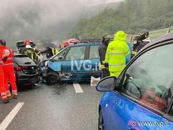 A10, tamponamento a catena tra Spotorno e Feglino: due feriti in ospedale - IVG.it