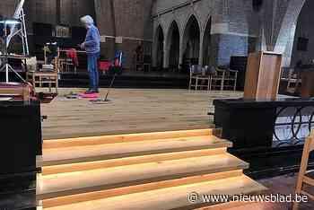 Onze-Lieve-Vrouwkerk uitgerust met podium (Tielt) - Het Nieuwsblad