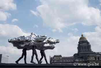 Zilveren wolk van Luk van Soom siert Brusselse skyline - Gazet van Antwerpen