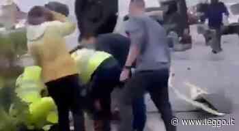 Palermo, schianto tra uno scooter, un'auto e un furgone: morta una ragazza di 21 anni, altri sei feriti - leggo.it