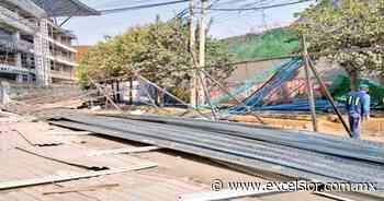 Vecinos de Xoco derriban tapiales; conflicto con los desarrolladores lleva 12 años - Periódico Excélsior