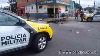 Motociclista morre na hora ao bater contra van no Cajuru - Banda B - Banda B