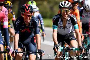 'Simon can learn to stand on his own two feet,' says BikeExchange sports director says after departure of Adam Yates