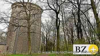 Wasserturm ziert den Gipfel des Lindenbergs