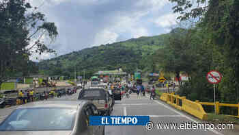 Se reportaron cierres totales y esporádicos en la vía Villeta - Bogotá - El Tiempo