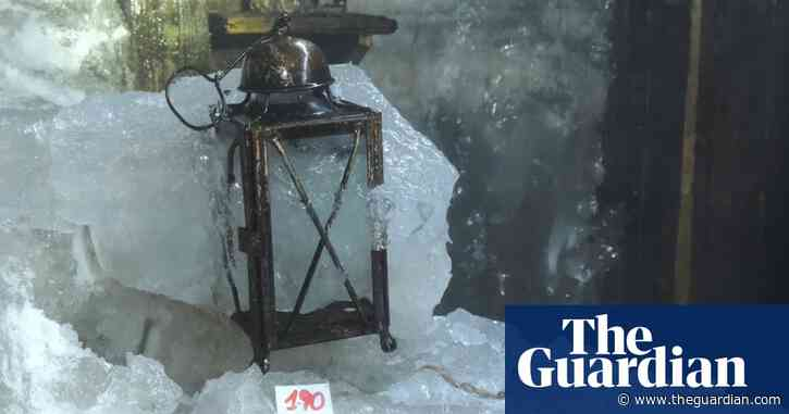 Melting ice reveals first world war relics in Italian Alps
