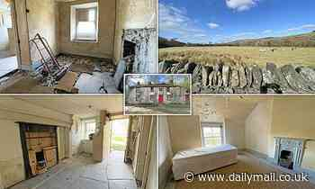 Derelict 19th century three bed farmhouse with stunning views of Snowdonia listed for £200,000