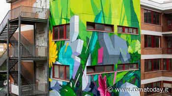 Centocelle, la street art di Etnik sostiene il quartiere: 'Botanica resistente' sul muro del liceo